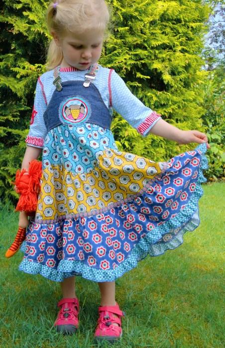 Herbstkleider - Sasha geht auch wunderbar . z.B aus Cord