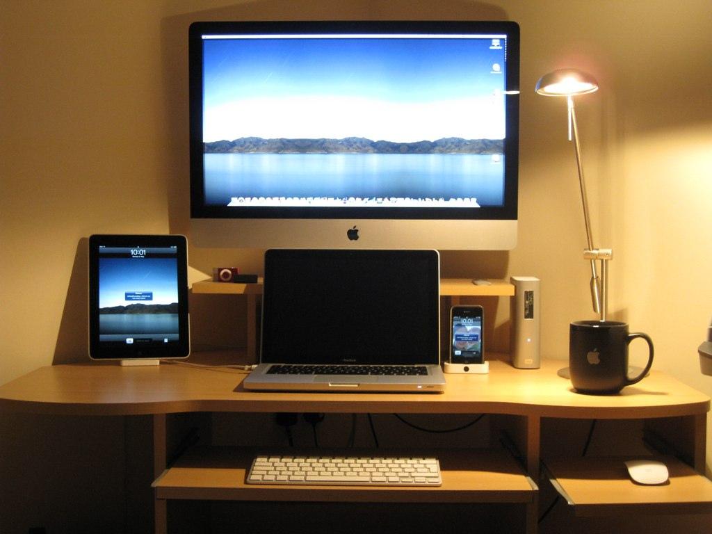 15 Envious Home Computer Setups | Inspirationfeed