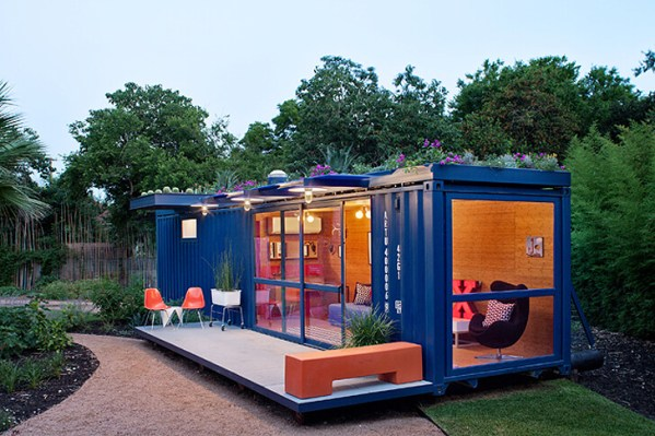Poteet-Architects-Container-Guest-house (1)