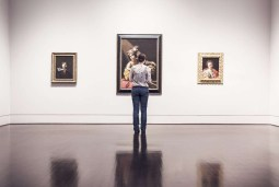 How to Creatively Showcase Your Artworks Online
