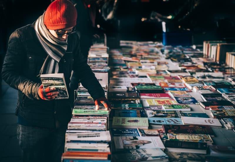 Garage book sale during a saturday in winter