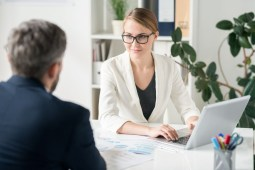 Benefits of Hiring a Consultant for your Company Growth