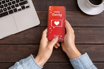 "5 Ways to Find ""The One"" on a Dating Site"