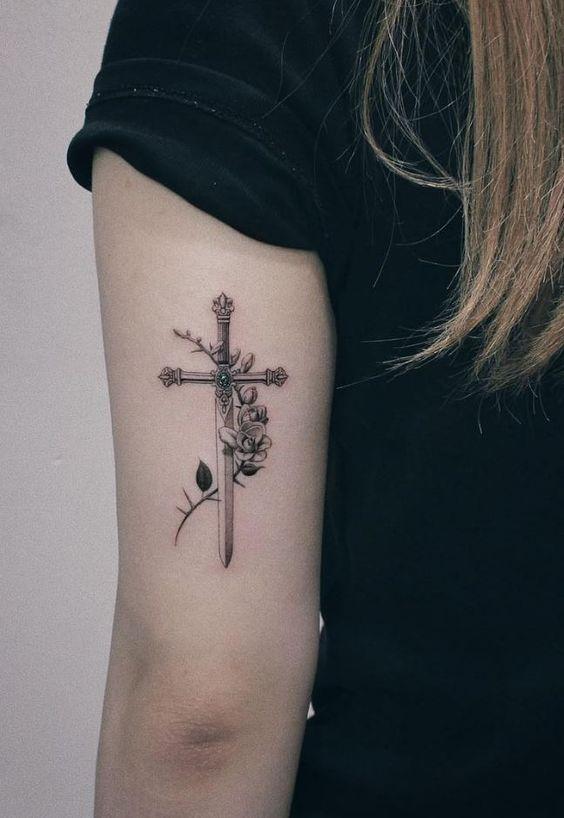 Small Feminine Cross Tattoos : small, feminine, cross, tattoos, Beautiful, Cross, Tattoos, Showcase, Faith, Inspirationfeed
