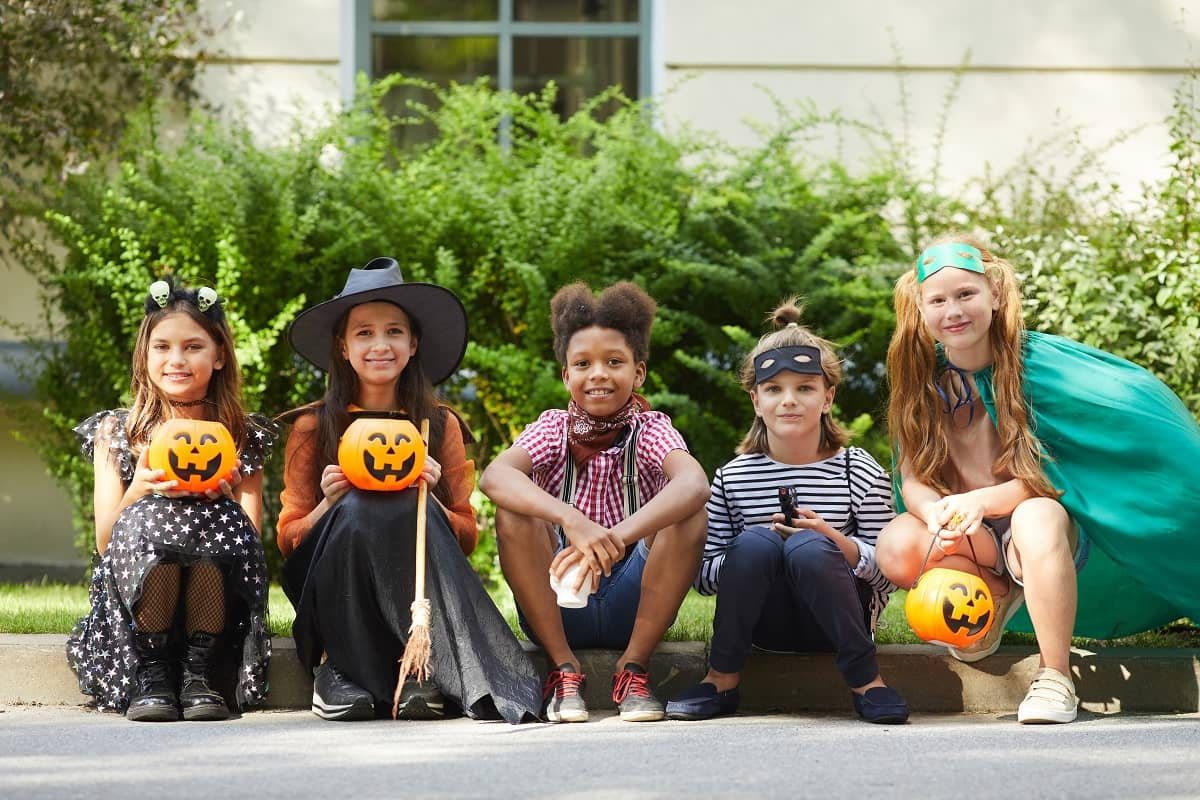 25 Fun Halloween Party Games For Kids of All Ages