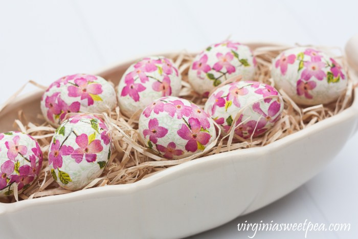 decoupage floral Easter eggs