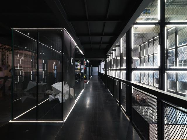 Risultati immagini per showroom fendi milano