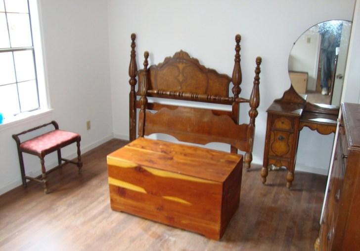 Antique Bedroom Furniture 1900