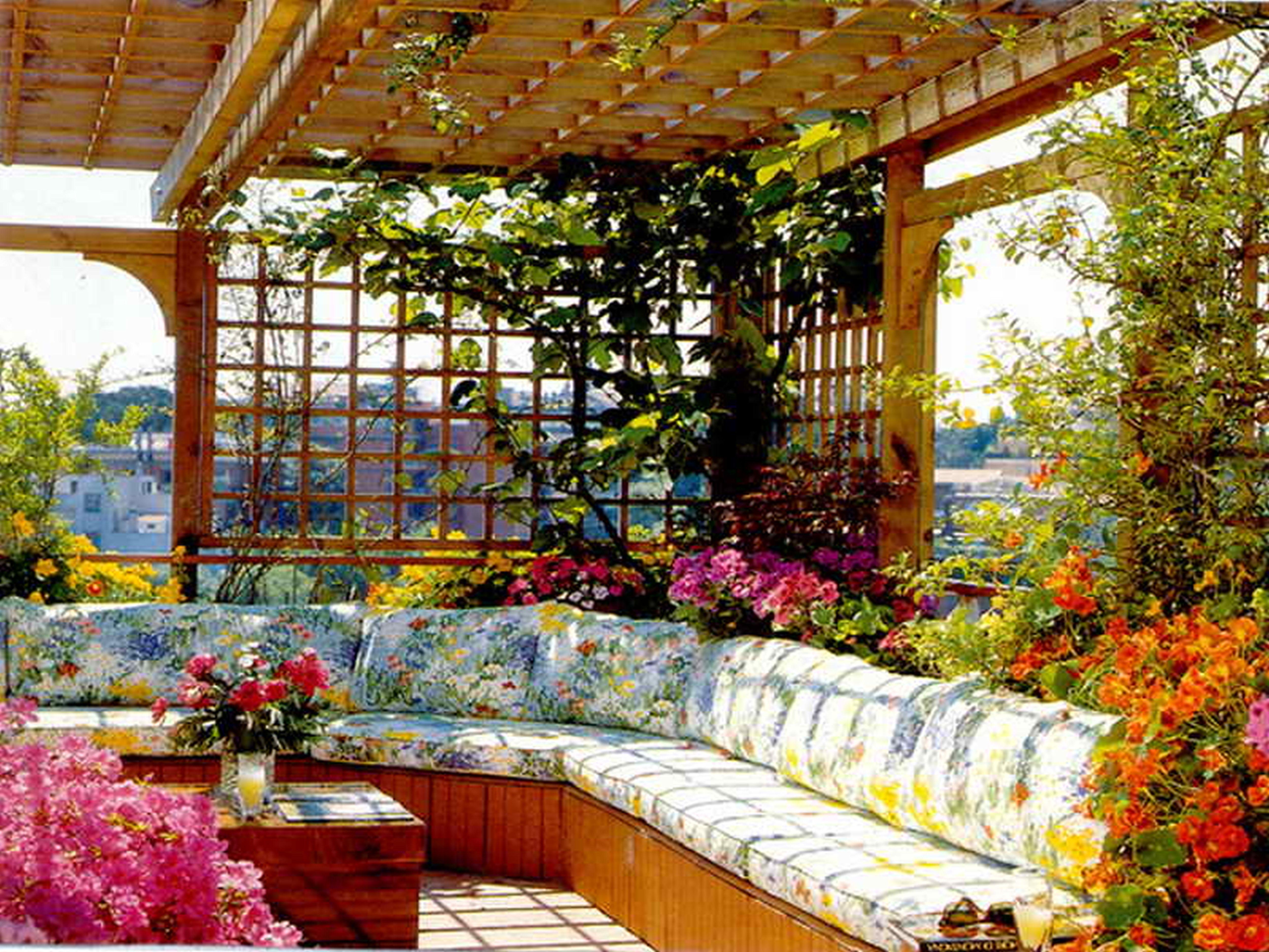 Small Garden Decoration
