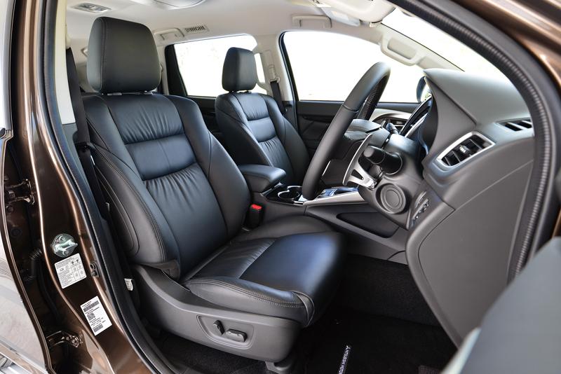 Mitsubishi 2016 Sport Pajero Interior