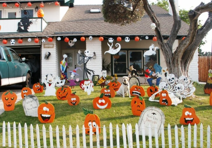 Outdoor Halloween Party Decor