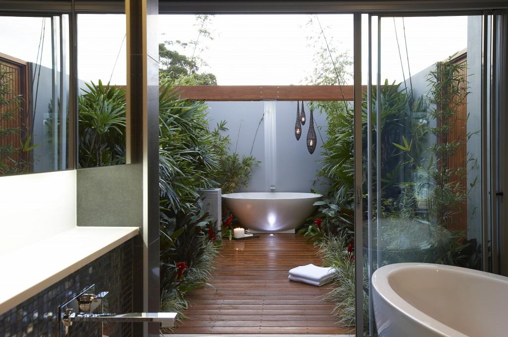 33 Outdoor Bathroom Design And Ideas InspirationSeek Com