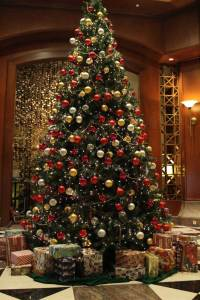 Christmas Tree Decorations Ideas and Tips To Decorate It ...