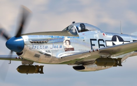 EAA Member Leads Heritage Flight Over Super Bowl 52