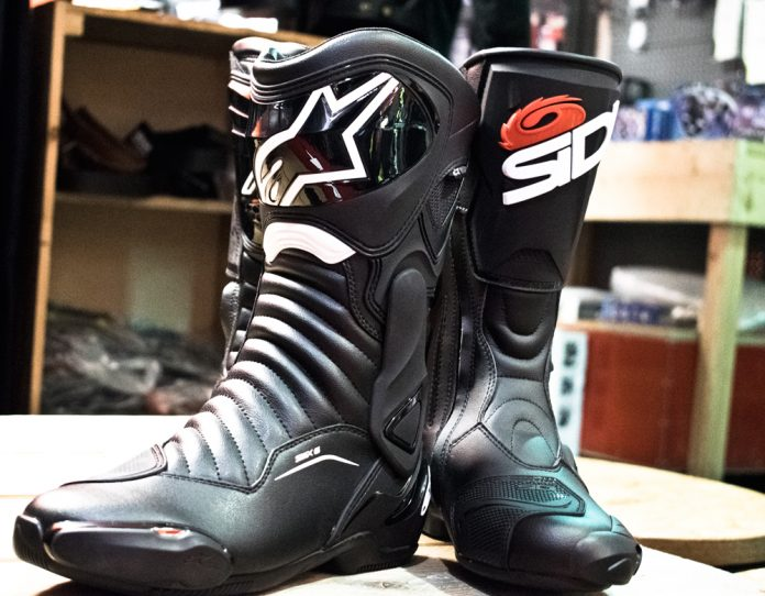 2ee3e9ab8ac9 Motorcycle Road   Race Boots   Ultimate Buying Guide - GetGeared