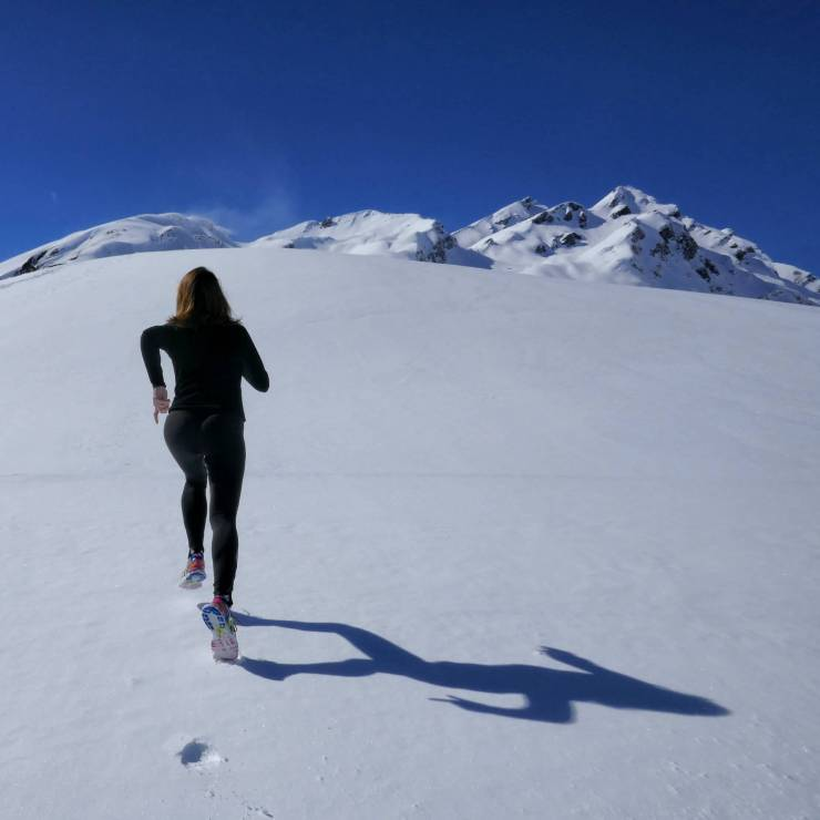 failure-to-success-girl-running-snow