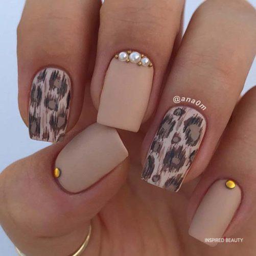 leopard print Short Acrylic Nails