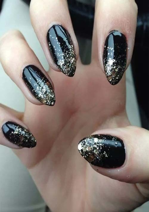 Black acrylic nails art and polish
