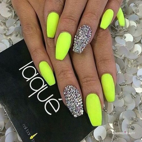 summer color nails
