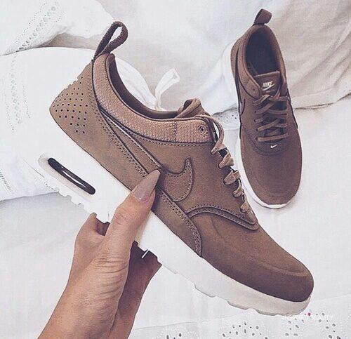 nike-shoes-girls