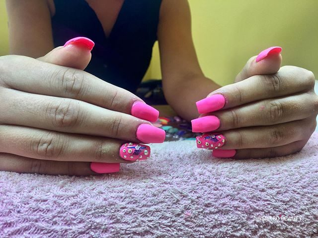 pink nails coffin