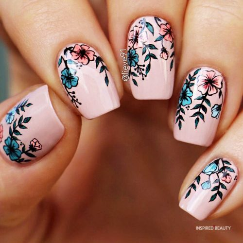Short Nail Design - with Flowers