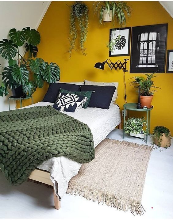 green and yellow room decor