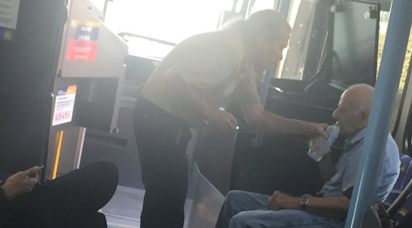 Bus Driver Notices Elderly Man In Distress, Sits Him In The AC And Gives Him Water
