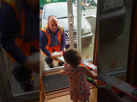 Garbagemen Going Above and Beyond Dad's Simple Request