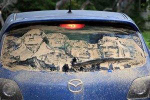 Малюнки на брудних машинах