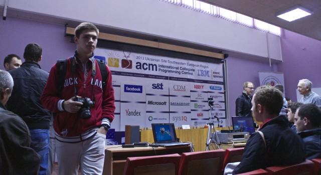 Програмування, що надихає: Міжнародна студентська олімпіада ACM у Вінниці