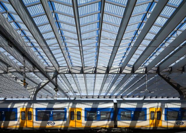 Rotterdam-Centraal-station-Benthem-Crouwel-Architects-West-8-MVSA-Architects-4