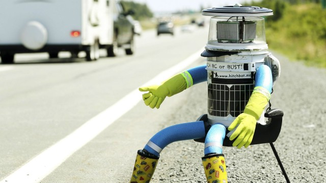 hitchbot-hitchhiking