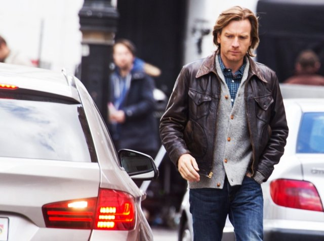 ewan-mcgregor-films-scenes-for-our-kind-of-traitor-01
