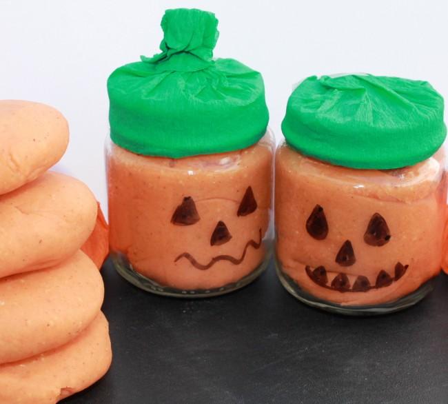 Pumpkin Play dough -Halloween treats