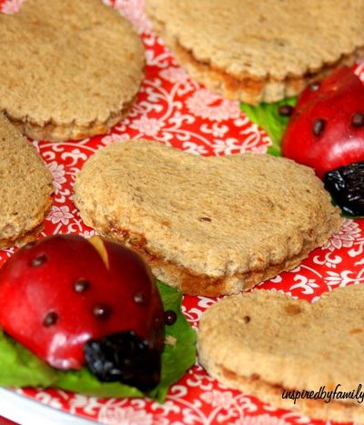 Fun & Healthy Snacks: Ladybugs