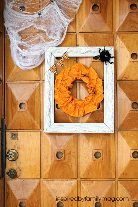 paper plate halloween wreath