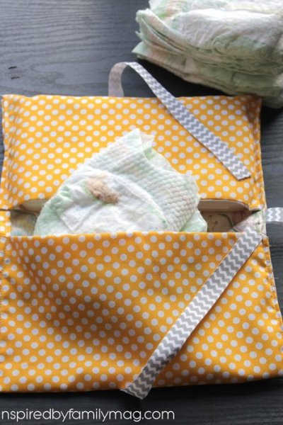 Handmade Gifts: Diaper Clutch