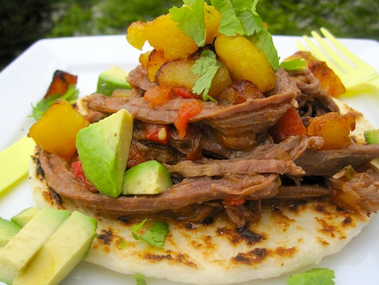 arepas with meat