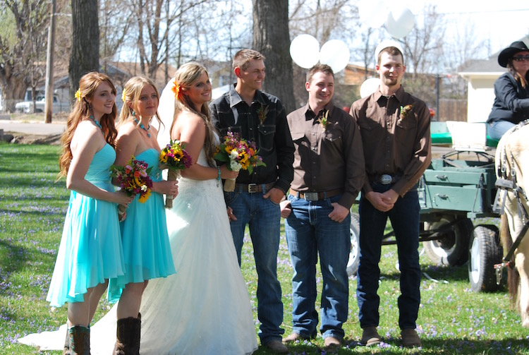 The happy couple with bridesmaids and groomsmen.