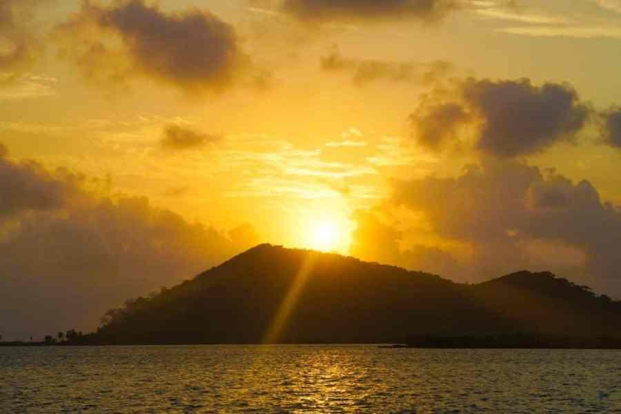 San Blas Adventures review - San Blas Sailing Sunset