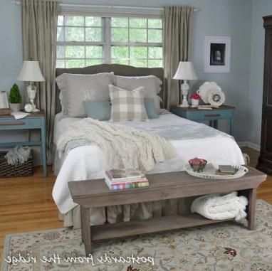 48+ beautiful Farmhouse Style Master Bedroom Ideas 12