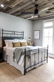 48+ beautiful Farmhouse Style Master Bedroom Ideas 30