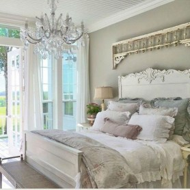 48+ beautiful Farmhouse Style Master Bedroom Ideas 41