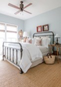 48+ beautiful Farmhouse Style Master Bedroom Ideas 50