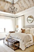 48+ beautiful Farmhouse Style Master Bedroom Ideas 51