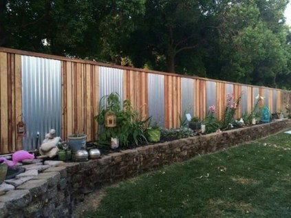 Amazing 9+ Backyard Privacy Fence Landscaping Ideas On A Budget 01