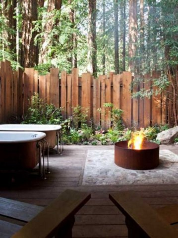 Amazing 9+ Backyard Privacy Fence Landscaping Ideas On A Budget 09