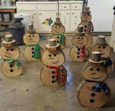 23+ Cool DIY Crafts Wooden Christmas Ideas (17)