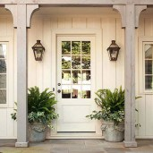 25+ Awesome Farmhouse Exterior Front Door Ideas (15)